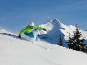 Skiing at Les Gouilles, Rougemont